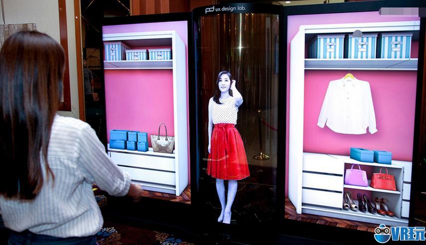 LG发布一款77寸OLED柔性屏,透明度可达40%